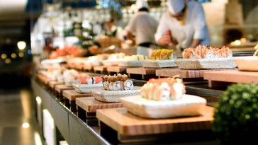seafood and sushi buffet