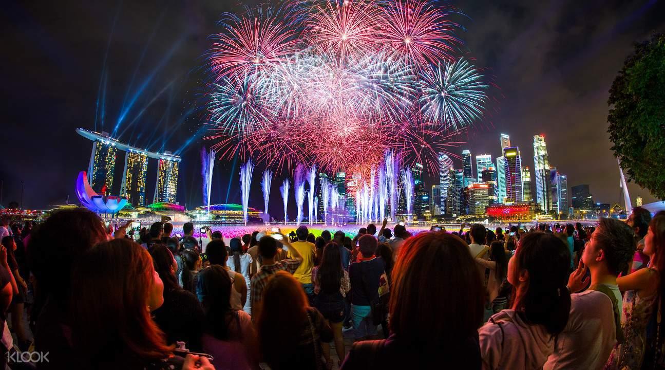 MarinaBaySandsCountdown_Singapore_Countdown parties in asia